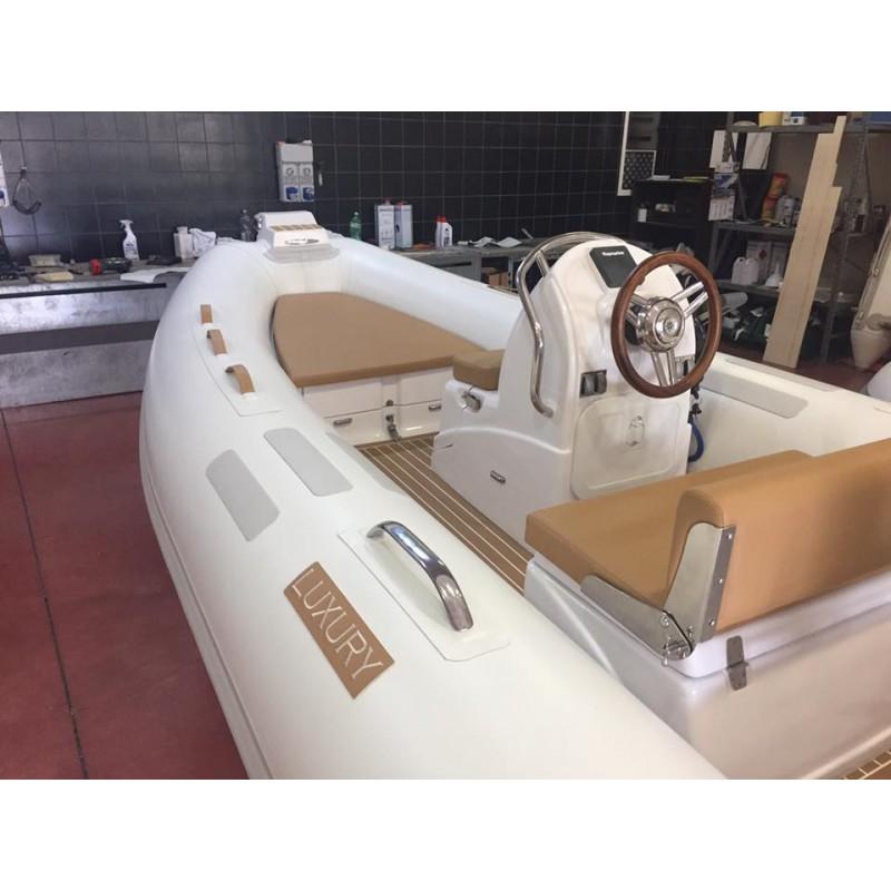 Luxury Yachting2